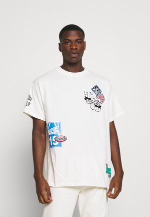 BADGED SPORTS GRAPHIC - T-shirt imprimé - offwhite