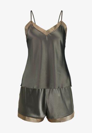 SHORT SET - Pyjamaser - dusty olive as jungle