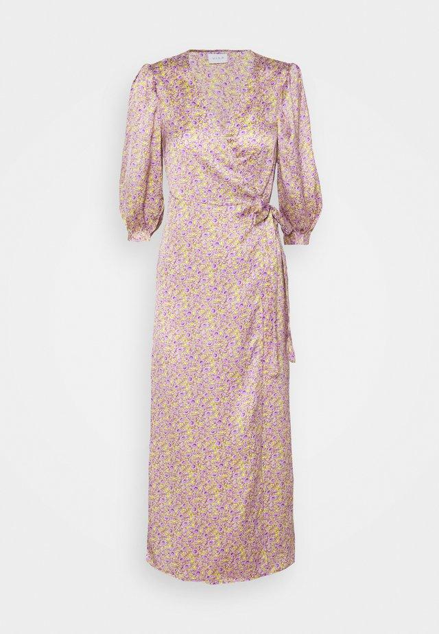 VIDOLETTA LILAC 3/4 WRAP DRESS - Kjole - celery/lilac flower