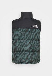 The North Face - PRINTED 1996 RETRO NUPTSE VEST UNISEX - Waistcoat - balsam green - 1