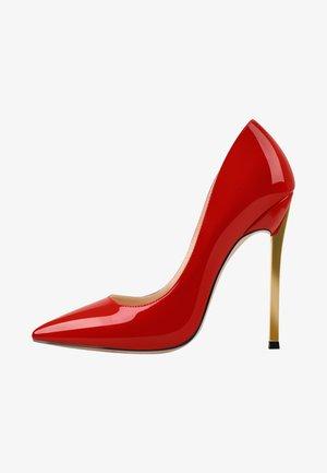 Classic heels - metallic red