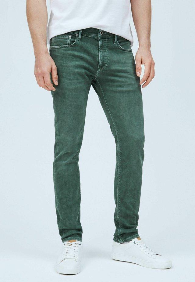 STANLEY - Jeans slim fit - waldgrün