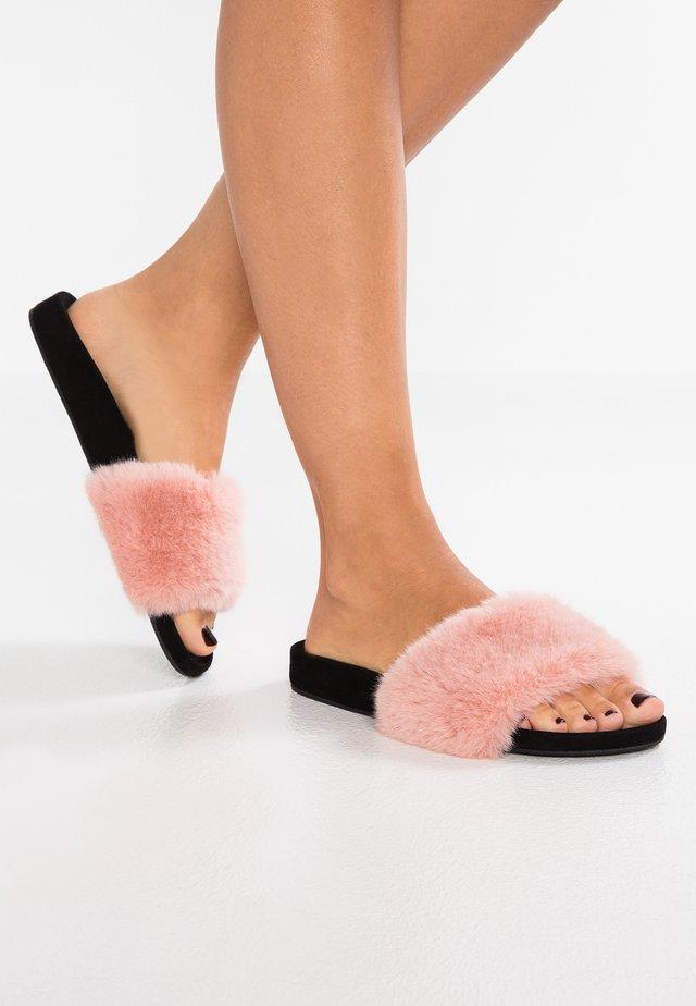 Pantofole - rose