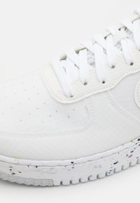 Nike Sportswear - AIR FORCE 1 CRATER  - Trainers - white/orange - 5