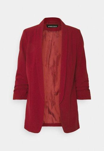 PCBOSS - Short coat - biking red