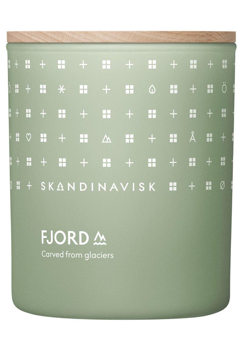 Skandinavisk - SCENTED CANDLE WITH LID - Duftkerze - fjord