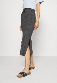 TOM TAILOR - SKIRT - Pouzdrová sukně - black - 0