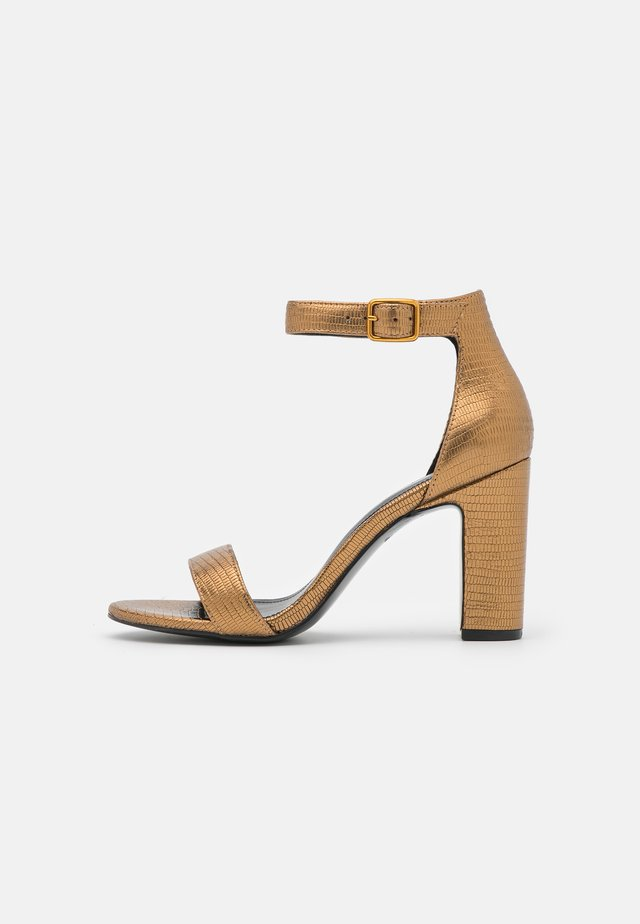 Sandales à talons hauts - bronze