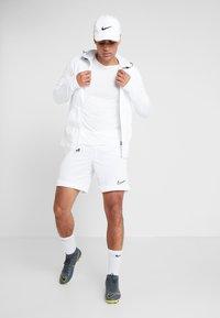 Nike Performance - TOTTENHAM HOTSPURS HOODIE - Klubbkläder - white/binary blue - 1
