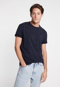 Scotch & Soda - CLASSIC CREWNECK TEE - T-shirt print - dark blue - 0