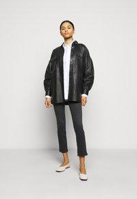 AG Jeans - THE MARI SLIM STRAIGHT - Slim fit jeans - black denim - 1