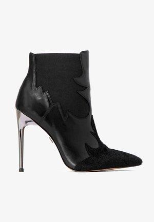 INGA - Kotníková obuv na vysokém podpatku - black