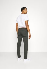 Scotch & Soda - NEW BELTED  - Chinos - charcoal - 2
