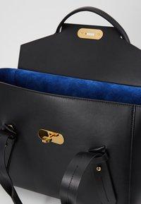 Escada - CLASSIC HANDBAG - Handbag - black - 3