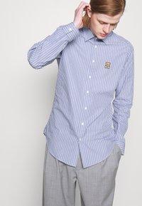 MOSCHINO - BLOUSE - Shirt - light blue - 6