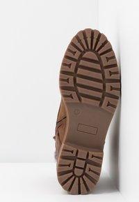 Anna Field - Kotníkové boty na platformě - cognac - 6