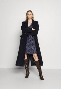 Anna Field - Quarter sleeves wrap mini dress - Jersey dress - dark blue/white - 1