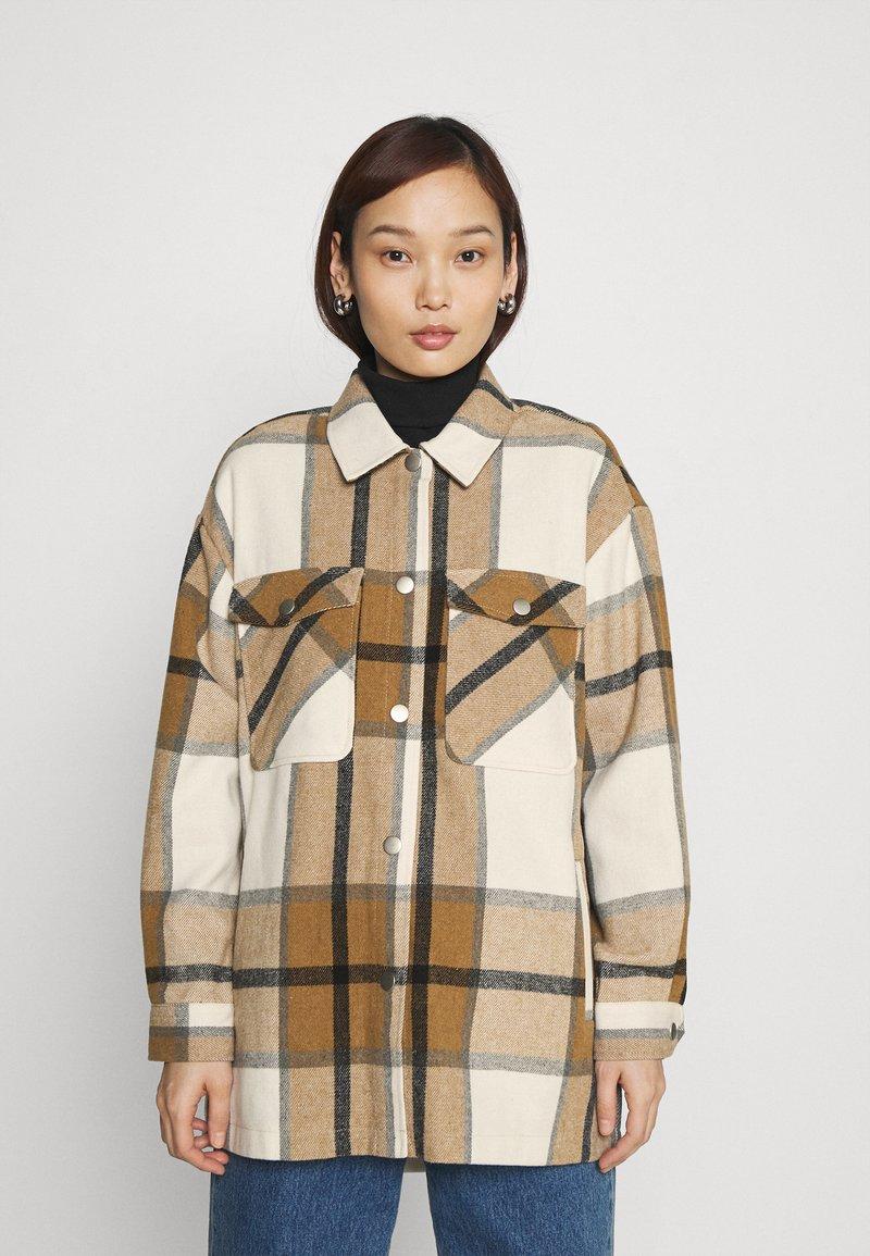 ONLY - ONLELLENE VALDA CHACKET - Summer jacket - bone brown/black