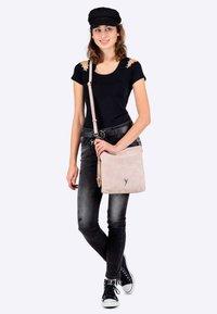 SURI FREY - ROMY BASIC - Across body bag - mottled light pink - 1