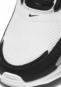 Nike Sportswear - MAX BOLT - Matalavartiset tennarit - white/white/black - 6