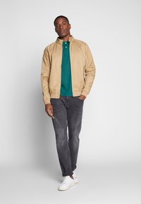 TOM TAILOR - BASIC WITH CONTRAST - Polo shirt - ever green - 1