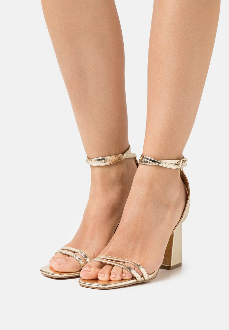 ONLY SHOES - ONLALYX RING  - Sandalias - gold