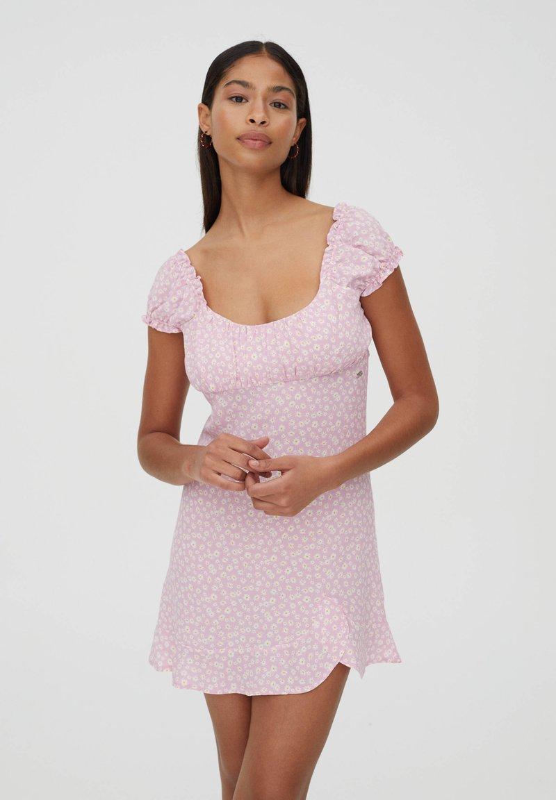 PULL&BEAR - Denní šaty - rose gold coloured