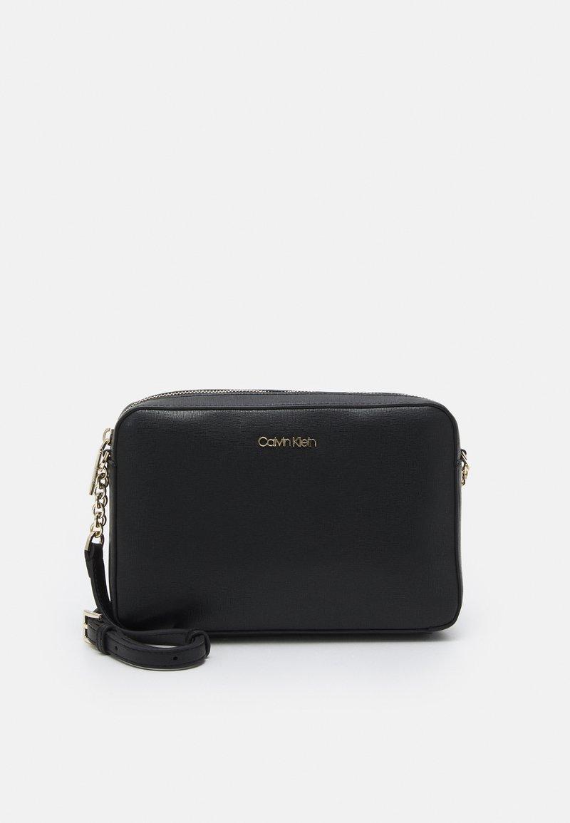 Calvin Klein - CAMERA BAG - Olkalaukku - black