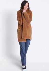 BONOBO Jeans - GERADER - Winter coat - marron clair - 1