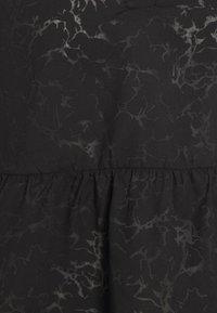 Selected Femme Petite - SLFPERNILLA - Blouse - black - 2