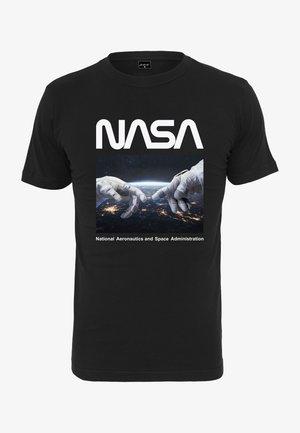 HERREN NASA ASTRONAUT HANDS TEE - T-shirt z nadrukiem - black