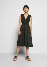 Who What Wear - CROSSOVER DRESS - Vestito estivo - black - 0