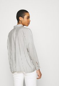 Carin Wester - BLOUSE BRIENNE - Button-down blouse - white - 2