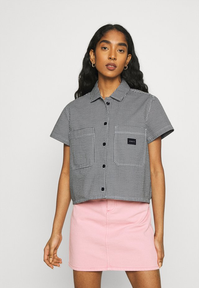 CREEPER - Camisa - black/white