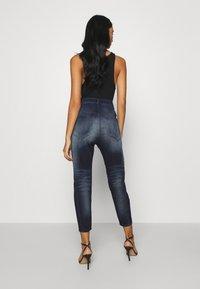 Diesel - D-FAYZA-NEJOGGJEANS - Relaxed fit jeans - indigo - 2