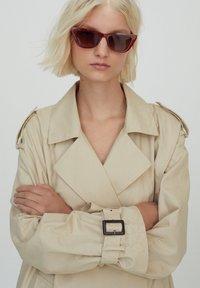 PULL&BEAR - Trenchcoat - beige - 4