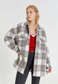PULL&BEAR - Button-down blouse - light grey - 0