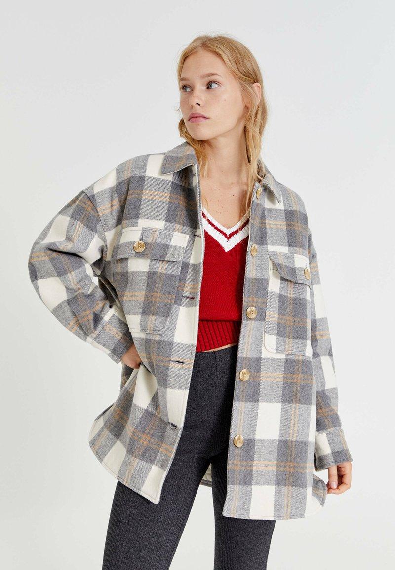 PULL&BEAR - Button-down blouse - light grey