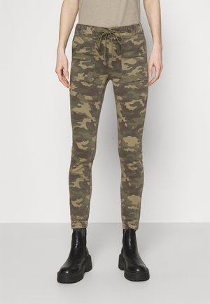 JEGGING - Tracksuit bottoms - green
