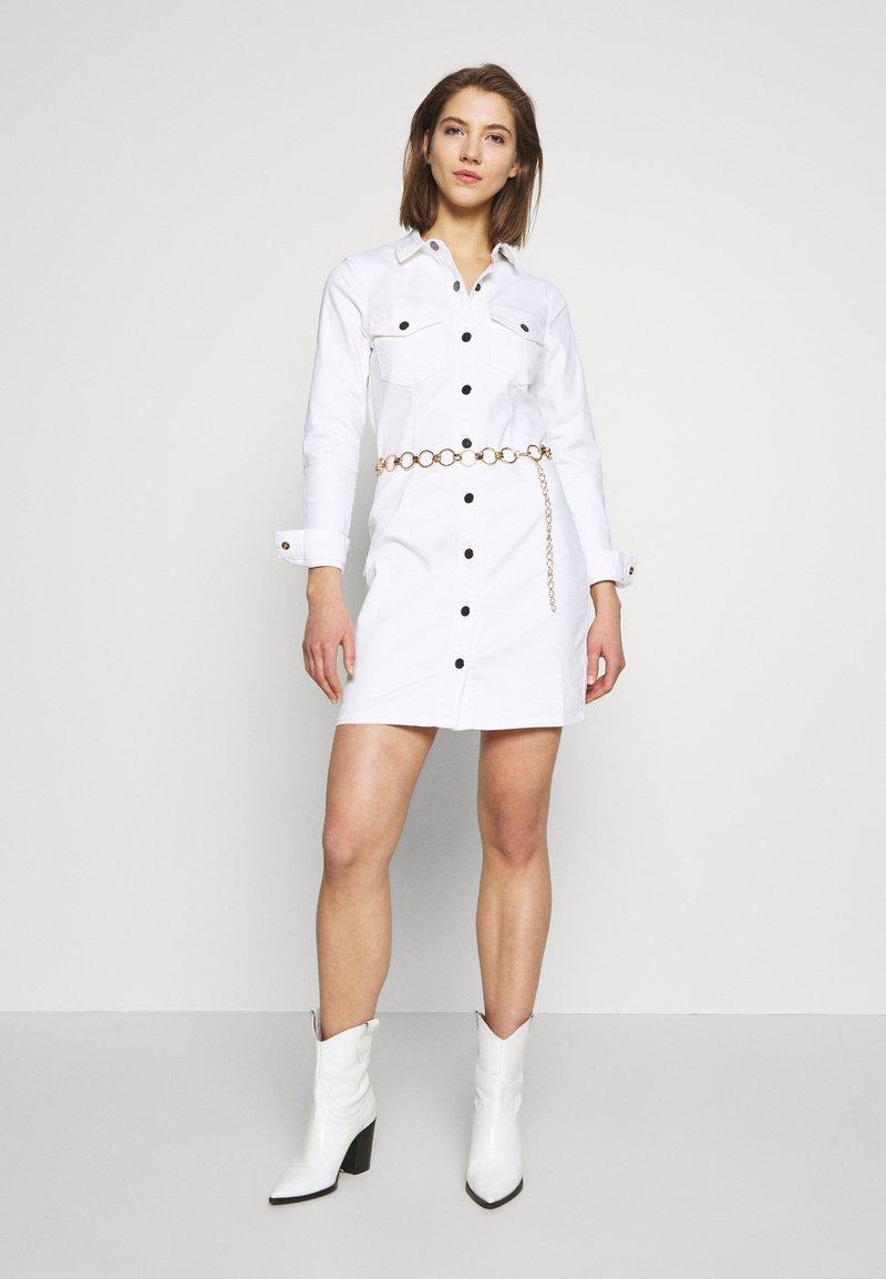 JDY JDYSANNA DRESS - Jeanskleid - white/weiß 1lmqxg