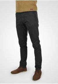 INDICODE JEANS - Chino kalhoty - black - 0