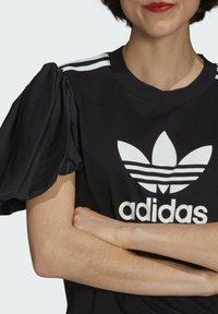adidas Originals - Print T-shirt - black - 4