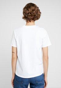 KIOMI - 2 PACK - Basic T-shirt - white/black - 3