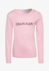 Calvin Klein Jeans - INSTITUTIONAL LOGO  - Maglietta a manica lunga - pink - 0