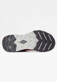 The North Face - VECTIV ESCAPE - Hiking shoes - paradisepnk/pamplonapurpl - 6
