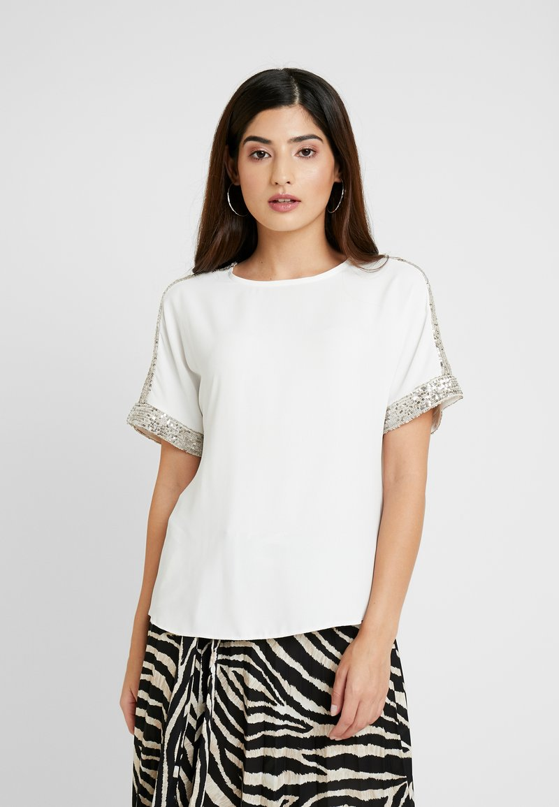 Dorothy Perkins Petite - SHIMMER BATWING TEE - Bluser - ivory