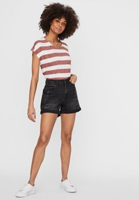 Noisy May - Denim shorts - black denim - 1
