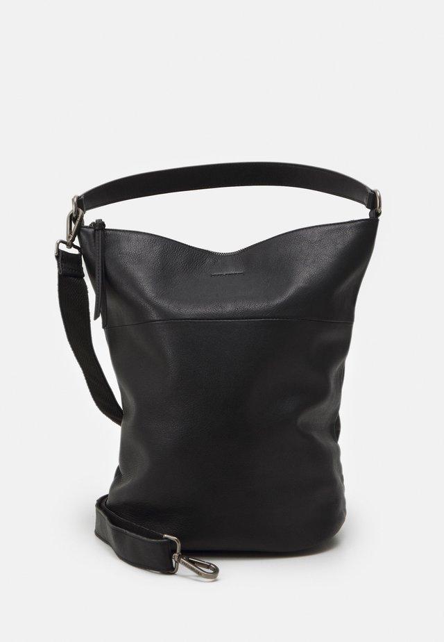 ASH - Handtasche - black