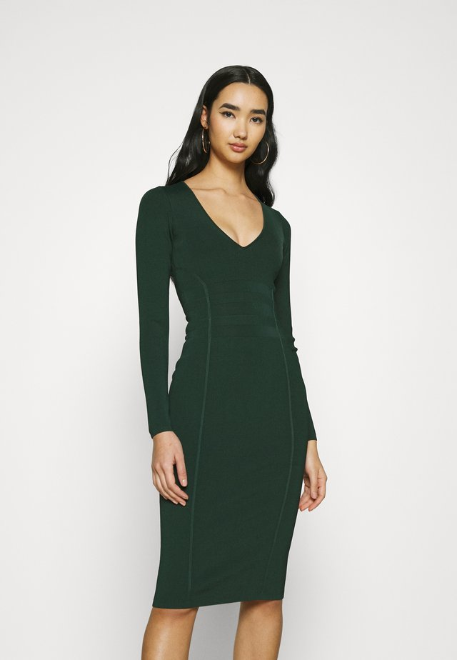 LOW DOWN DRESS - Abito in maglia - emerald