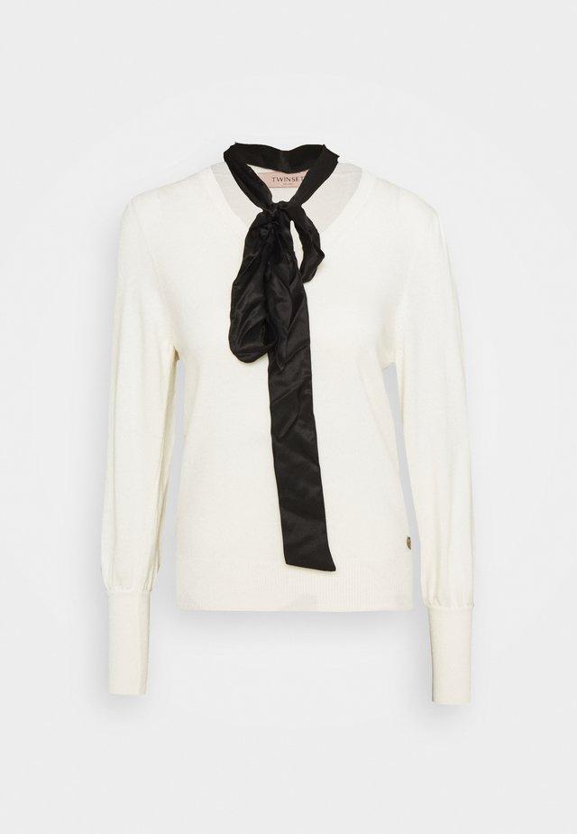 Pullover - neve/nero
